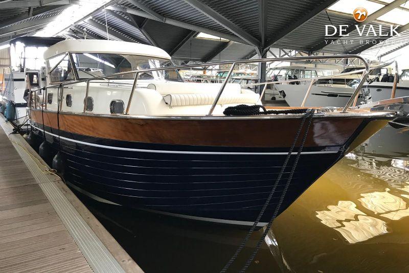 APREAMARE 38 COMFORT motor yacht for sale | De Valk Yacht broker