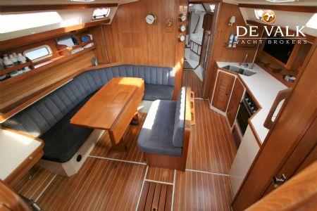 CATALINA 42 MKI sailing yacht for sale   De Valk Yacht broker