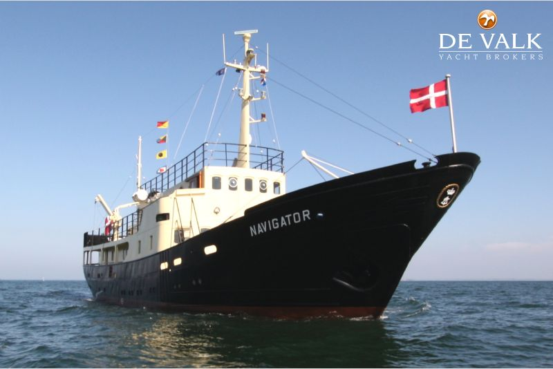 Classic steel motor yacht motor yacht for sale de valk for Vintage motor yachts for sale