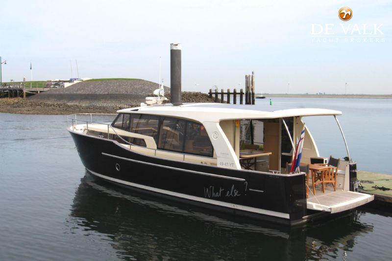 GREENLINE 40 motor yacht for sale   De Valk Yacht broker