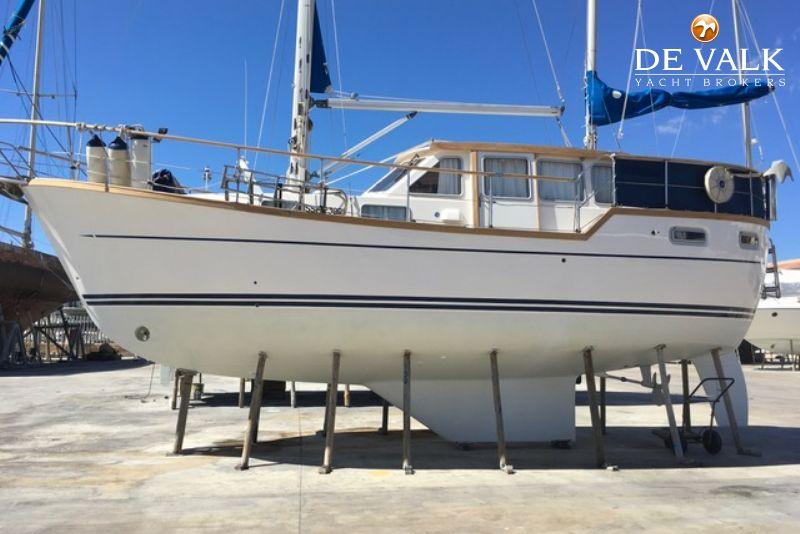 NAUTICAT 331 motorsailer for sale | De Valk Yacht broker