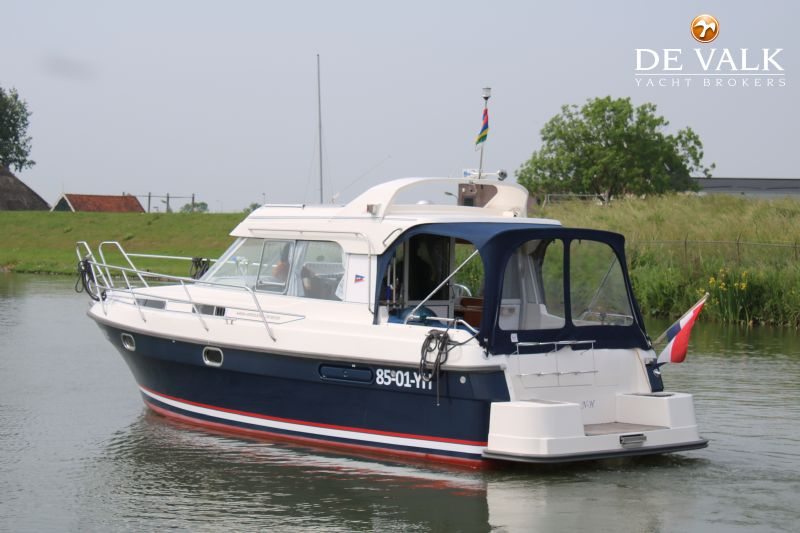 nimbus 320 coupe motor yacht for sale