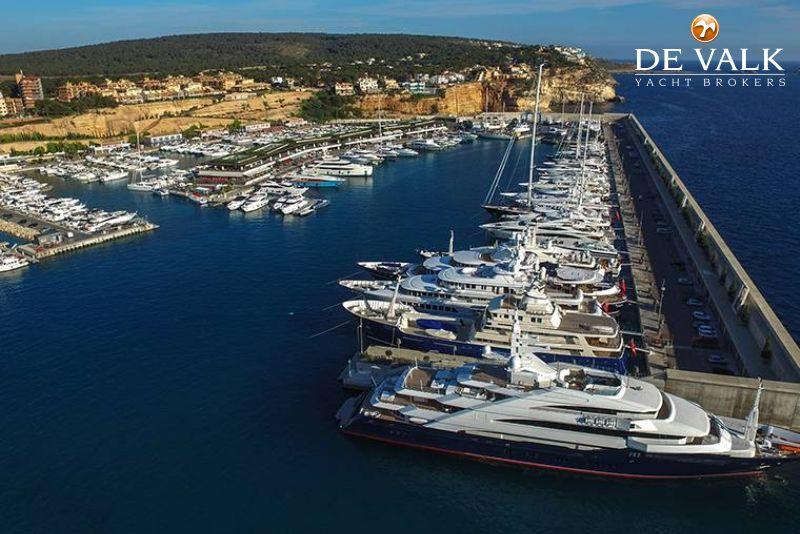 Ligplaatsen Port Adriano foto 2