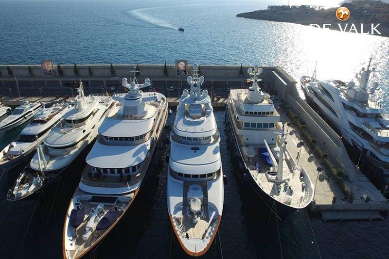 Ligplaatsen Port Adriano foto 4