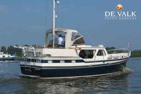 C de valk yacht brokers