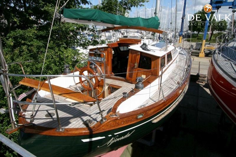 tayana 37 pilothouse 250960_2e tayana 37 pilothouse sailing yacht for sale de valk yacht broker  at soozxer.org